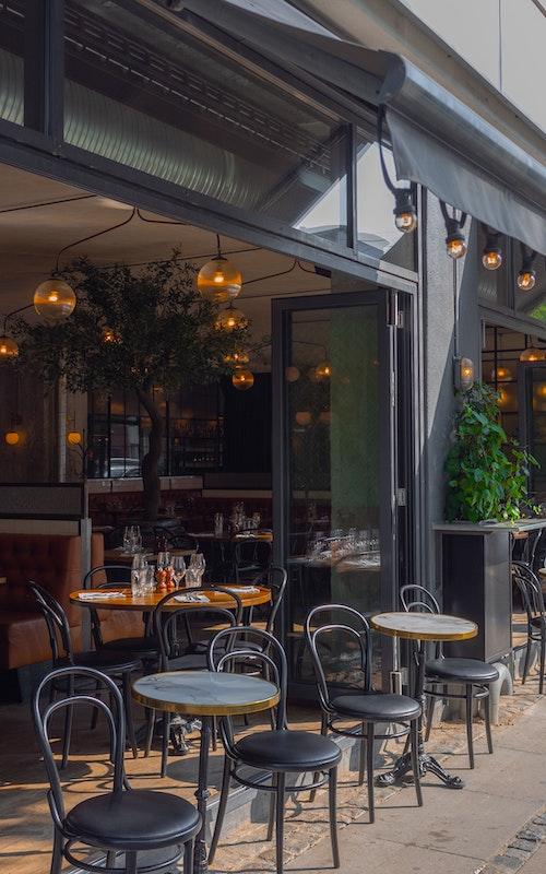 Restaurant-avec-terrasse-centre-ville
