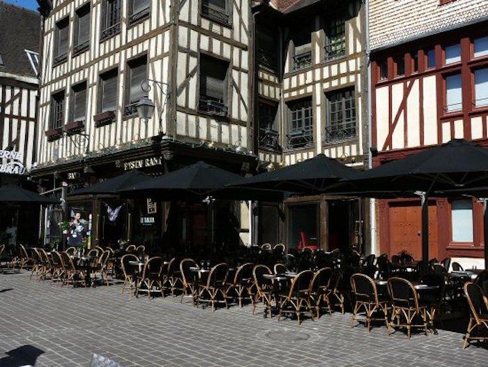 Restaurant-avec-terrasse-troyes-letablier